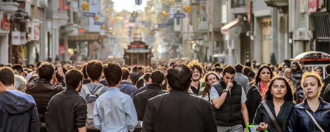 Alguns serviços são salvadores da vida, não pode ignora-los. Nos diversos blogs pessoal estão falando que podem passear em Istambul sozinho, mas não recomendo. Cuidado!