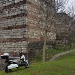 Istambul com motoneta elétrica